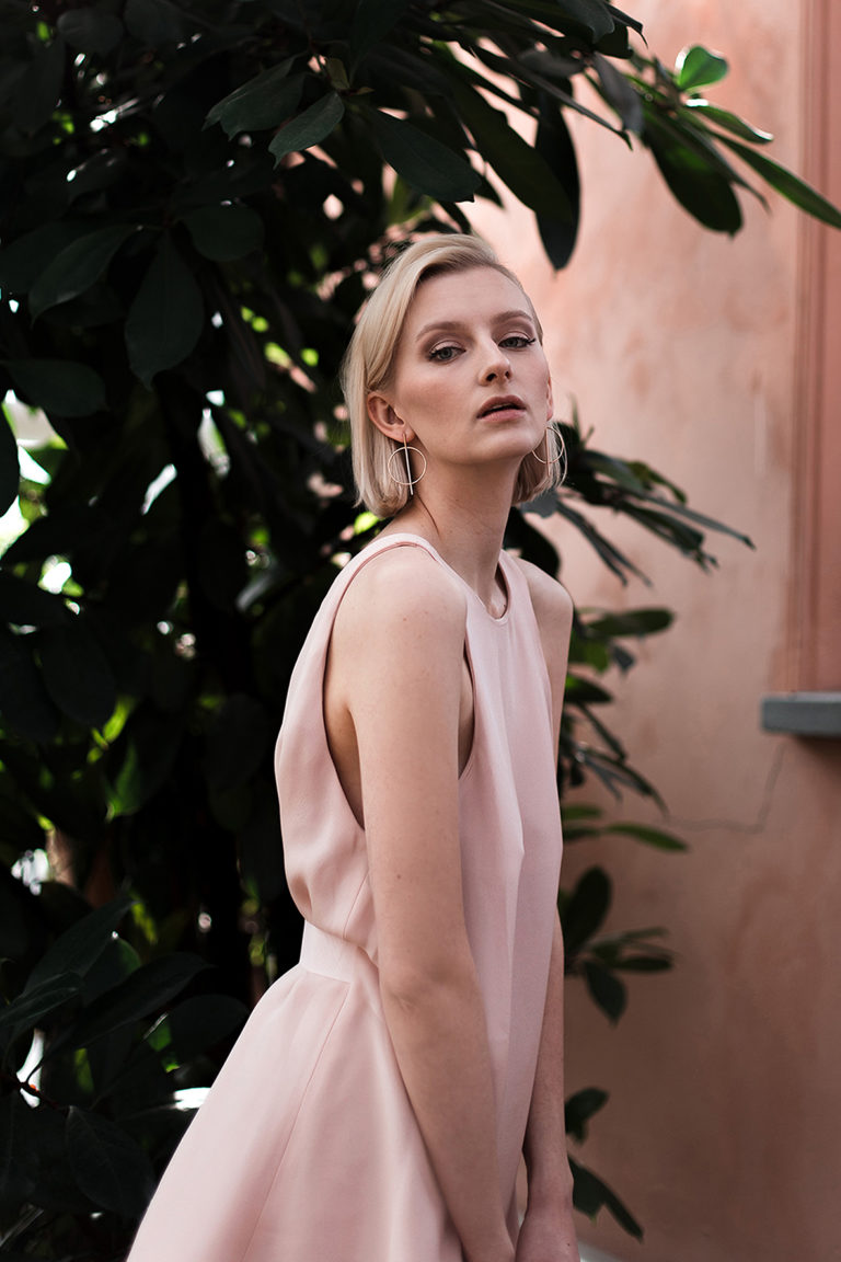 Blush A-line dress with open back Picture Mirella Penttilä MUAH Adelina Qhair