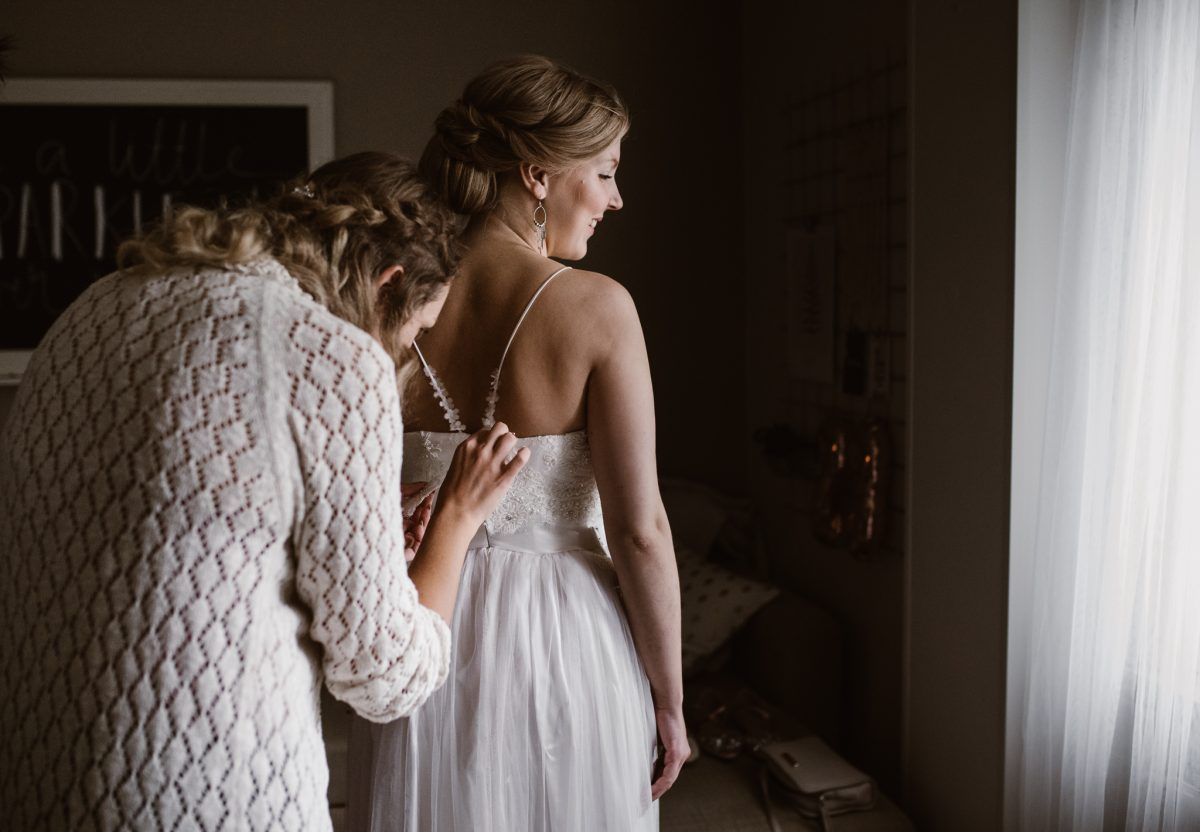 Bohemain lace wedding dress, Juulia Peuhkuri Photo Anni Maria Photography