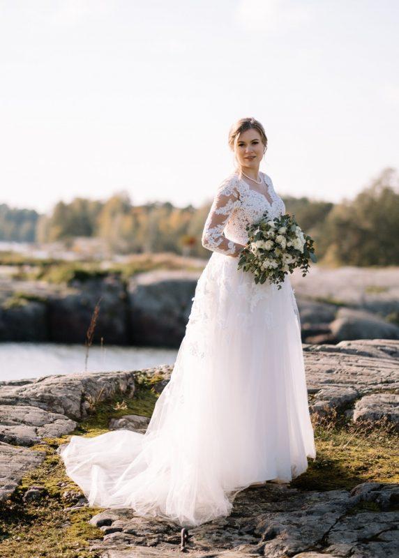 Lace bridal gown, Juulia Peuhkuri kuva Stelios Kirtselis